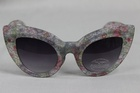 26800 x VINTAGE STYLE SUNGLASSES . JUST £1.00 EACH TAKE ALL PRICE