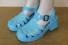 15818 x LADIES HEELED JELLY SANDALS. SIZES 36 TO 41 . PRICE IS JUST 65P PER PAIR